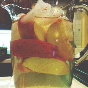 Apple Cinnamon Detox Water